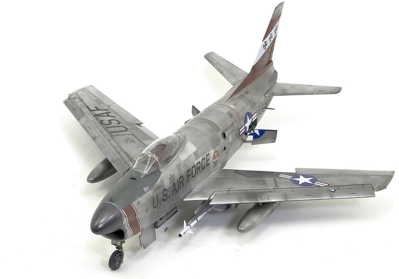 F-86 Sabre Dog. Kittyhawk 1/32. 16-111