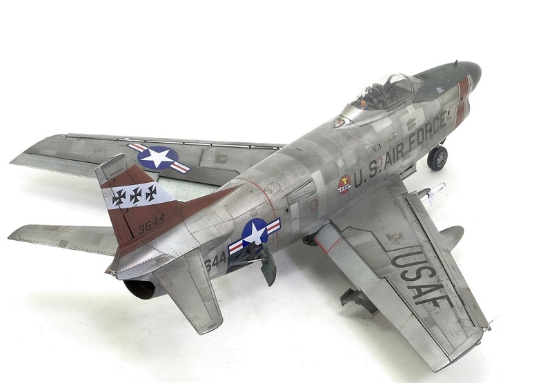 F-86 Sabre Dog. Kittyhawk 1/32. 20-111