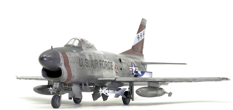 F-86 Sabre Dog. Kittyhawk 1/32. 4-111