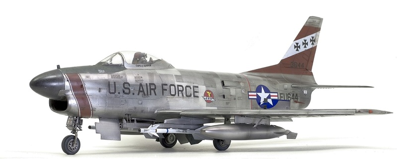 F-86 Sabre Dog. Kittyhawk 1/32. 5-111
