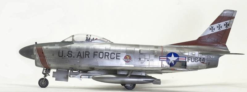 F-86 Sabre Dog. Kittyhawk 1/32. 6-111
