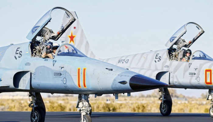 البحرية الأمريكية تتطلع إلى ترقيات لمقاتلتها العتيدة F-5 الفعالة لإعادتها للعمل. 10206510