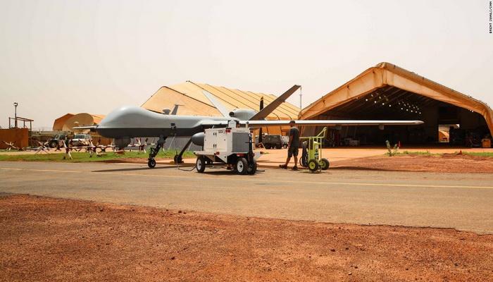 """القاعدة الجوية الأمريكية الاستطلاعية """"Air Bace-201""""في النيجر ... نمط متجدد للعمليات ضد الأرهاب. 10218210"""