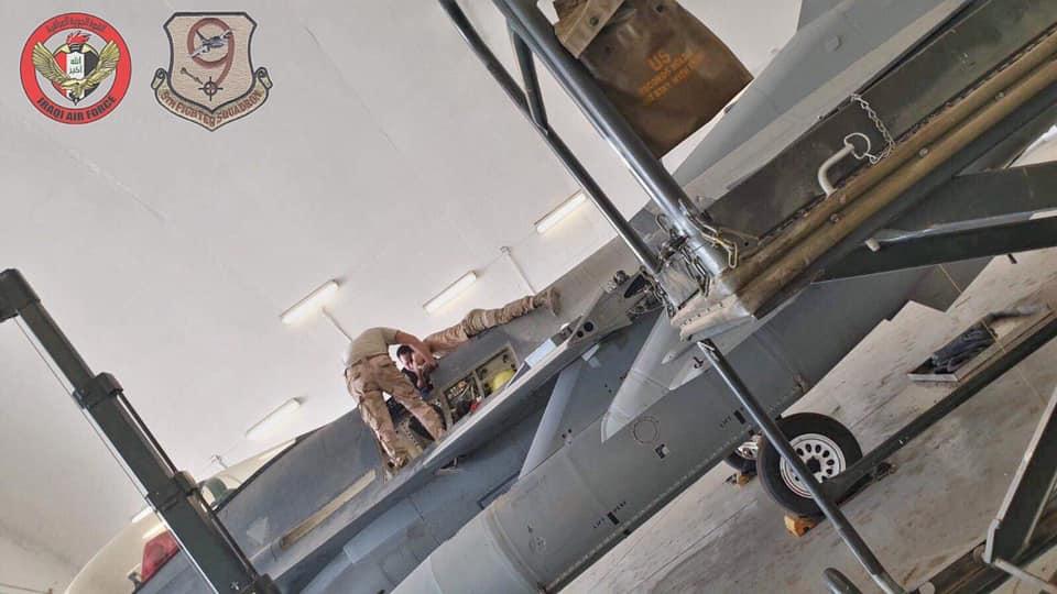العراق يقوم بصيانه اسطوله من مقاتلات F-16 بكوادر وطنيه عراقيه  10259110