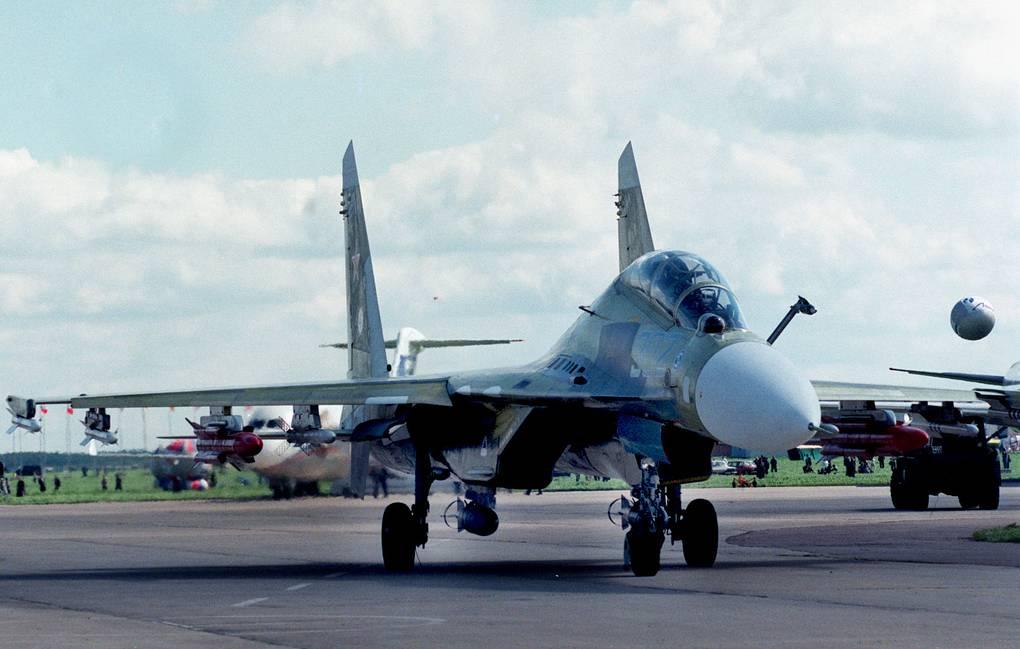 الدفعه الاولى من مقاتلات SU-30K في الطريق الى انغولا 12350210