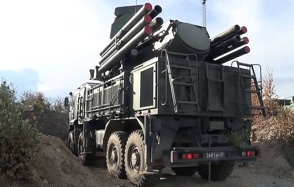 روسيا لتحديث منظومات بانتسير للدفاع الجوي الخاصه بدولة الامارات العربيه المتحده 12390710