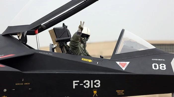 Qaher -313 : هل هي طائره شبحيه ؟ ام شئ أخر ؟ 14924510