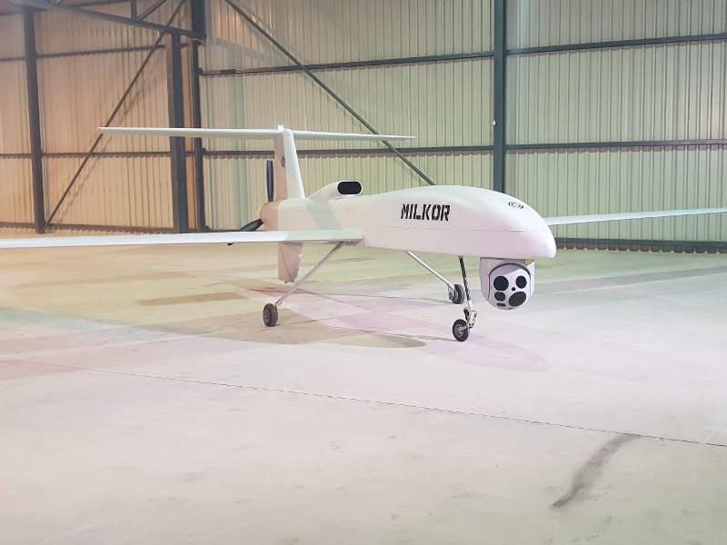 طائره MILKOR MA 380 بدون طيار من جنوب افريقيا  2l-ima12