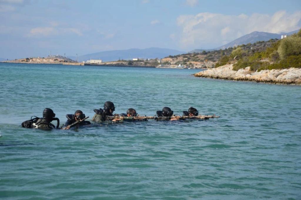 تدريبات مشتركة قرب اثينا بين القوات الخاصه اليونانية والمصرية  3-1710