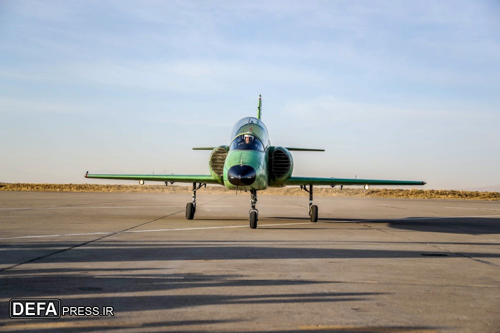 ايران تكشف عن طائره جديده تسمى ( ياسين ) 33156810