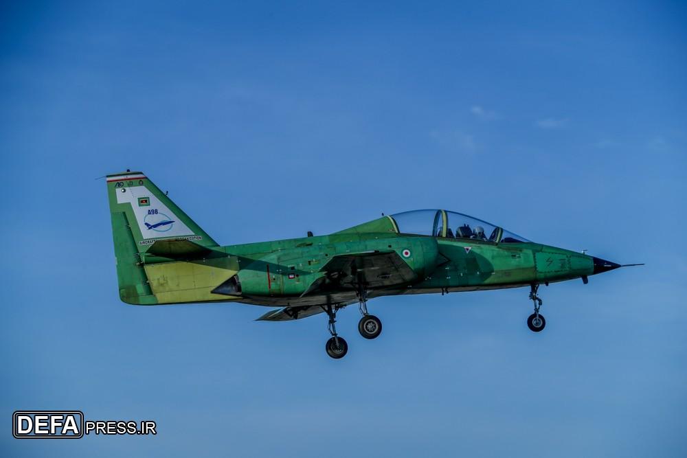 ايران تكشف عن طائره جديده تسمى ( ياسين ) 33164710