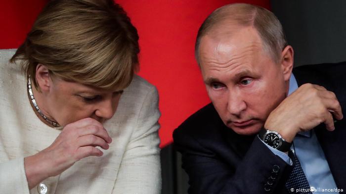 ميركل تُهدد بوتين ـ خفايا حرب التجسس الروسية على ألمانيا 46671910