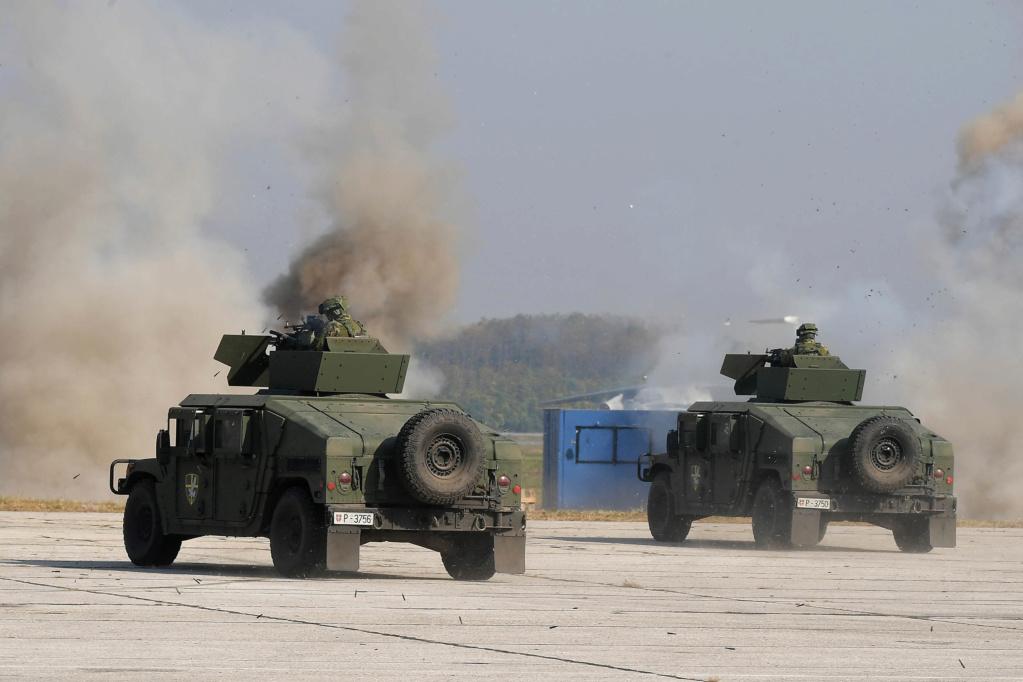 الجيش الصربي - صفحة 2 5nim8t10