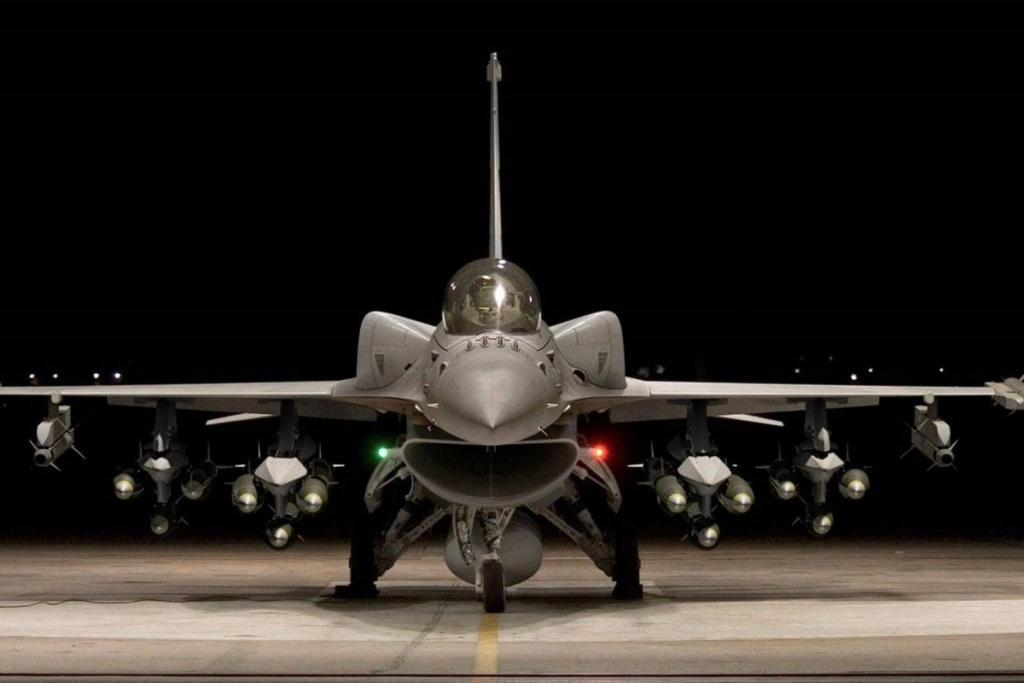 المقاتله F-16V او F-16 Viper من لوكهيد مارتن الامريكيه  66ad7710