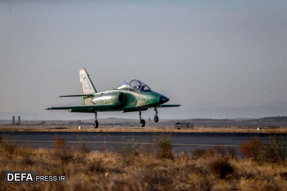 ايران تكشف عن طائره جديده تسمى ( ياسين ) 73420210