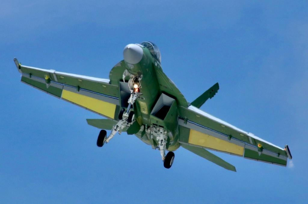 مميزات جديدة للمقاتلة  F/A-18  Super Hornet الكويتية 81701310