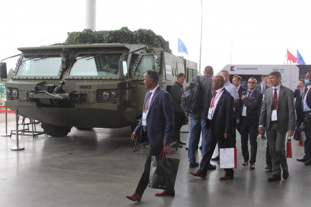 شركة كلاشنكوف الروسية تكشف عن هيل شاحنه لحمل مختلف انظمة الدفاع الجوي القصيرة والمتوسطة المدى 83244010