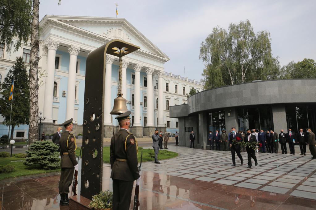 العراق يبحث مع أوكرانيا التعاون في مجالي التسليح ومكافحة الإرهاب A09fa810