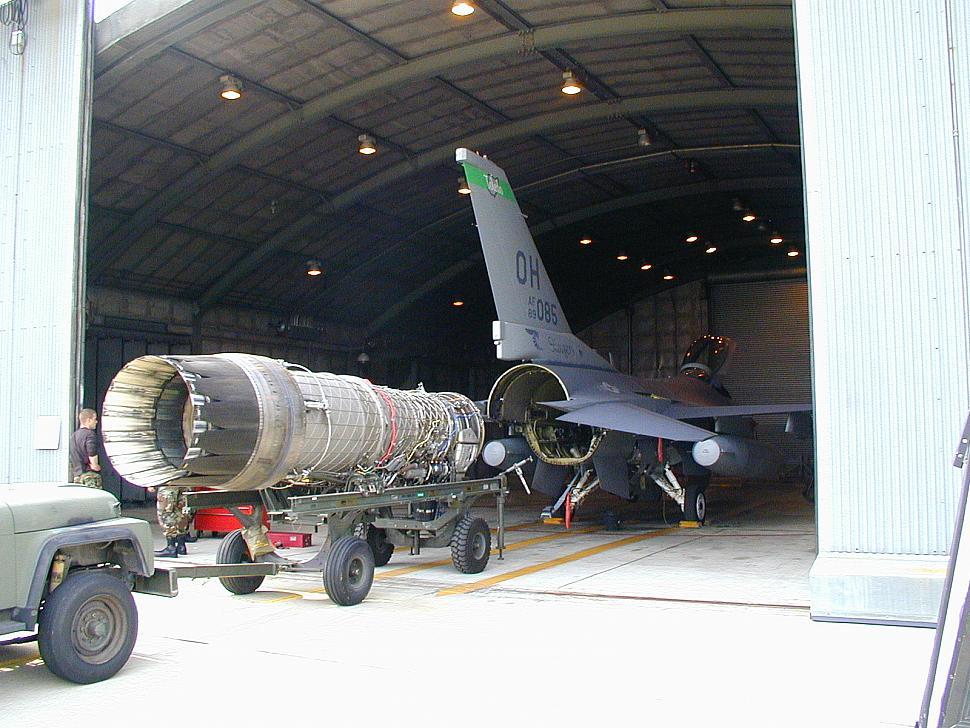 المقاتله F-16V او F-16 Viper من لوكهيد مارتن الامريكيه  Aay10
