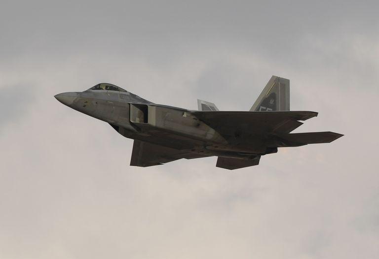 نظرة أولية لطائرة الجيل السادس (NGAD) الغامضة لسلاح الجو الأمريكي. Air-fo10