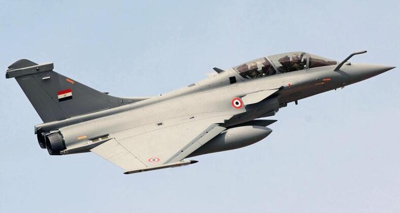 فرنسا توافق على بيع مصر 30 طائرة رافال جديدة Articl13