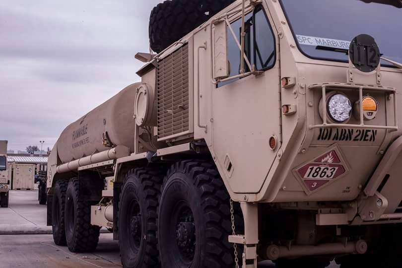 مصر تحصل على شاحنات صهاريج ونقل واخلاء من شركة Oshkosh الامريكية B8oxem10