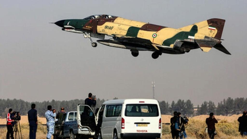 """لمواجهة التهديدات الناشئة.. إيران تجري مناورات عسكرية على """"الحرب الحديثة"""" Befunk11"""