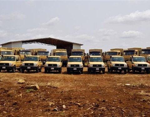المملكة المتحدة تمنح الجيش الصومالي عشرات المركبات كمنحة  Donate10
