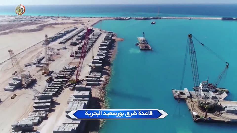 البحرية المصرية تواصل بناء ثلاث قواعد عسكرية جديدة Dqd99h10