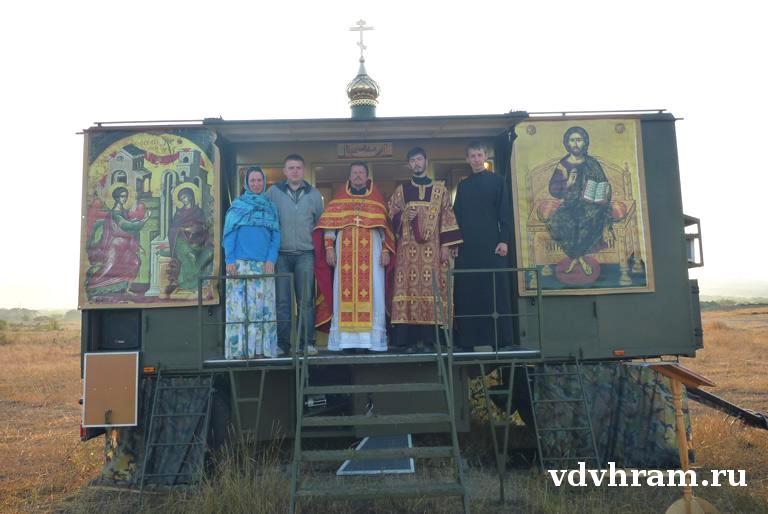الكنيسه المتنقله ضمن الوحدات العسكريه الروسيه  Dsa8f_10