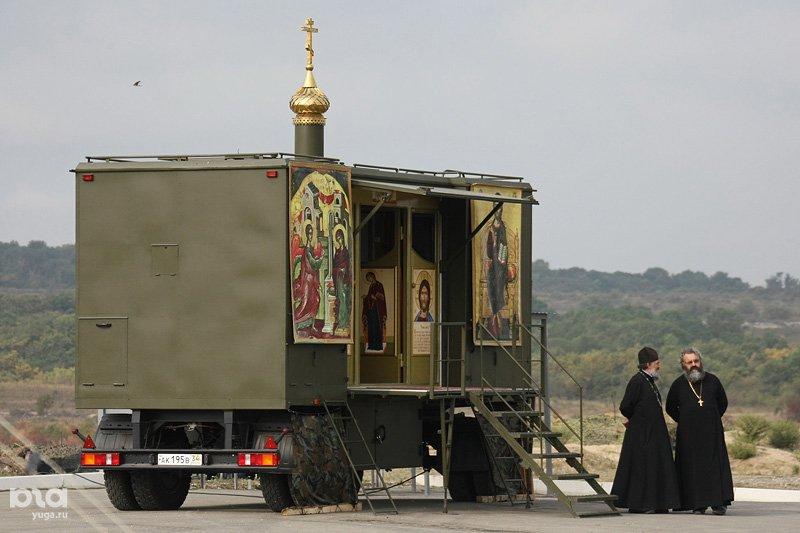 الكنيسه المتنقله ضمن الوحدات العسكريه الروسيه  Dsa8fx10