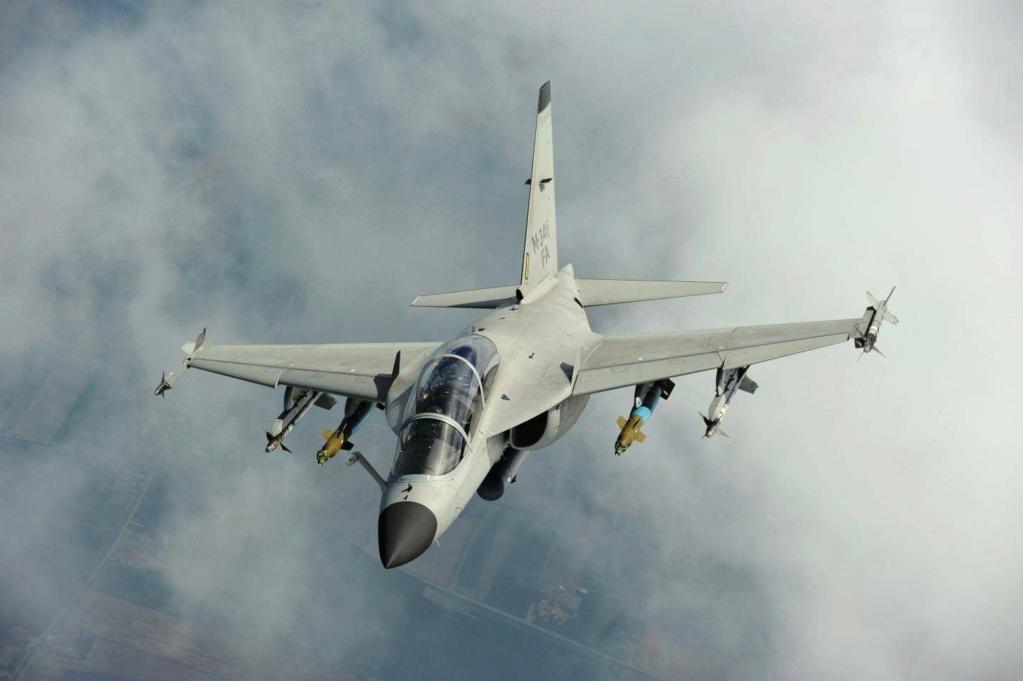 القوات الجوية المصرية تبحث عن شراء طائرات تدريب جديدة  E0yxis10