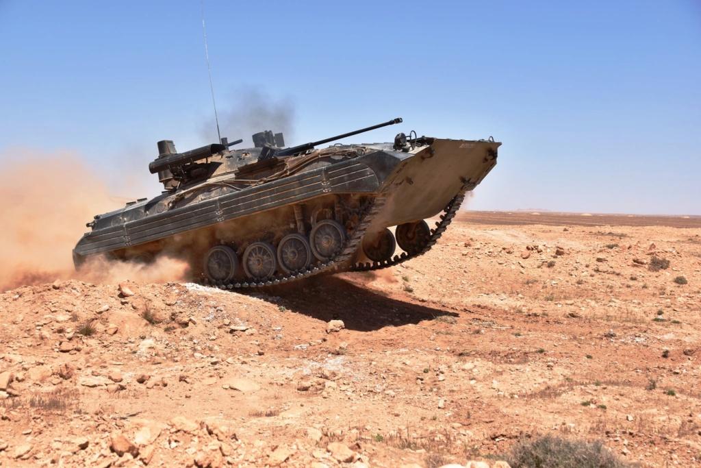 BMP-2/1M Berezhok الجزائرية  E12gry10