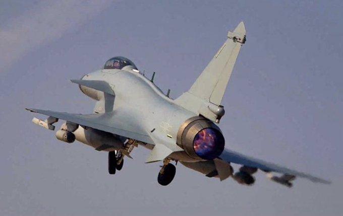 الصين تنشر مقاتلات J-10C مجهزة بمحركات WS-10B  محلية الصنع  E1hdjw10
