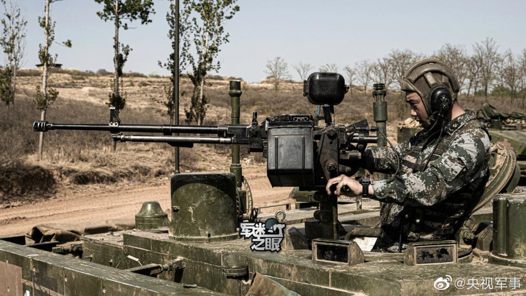 الدبابه الصينيه Type 99 E1hr6611