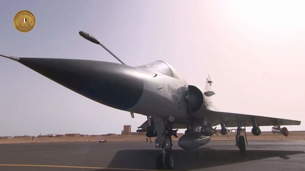 المقاتله الفرنسيه Dassault Mirage 2000  - صفحة 2 Ebn1nc10