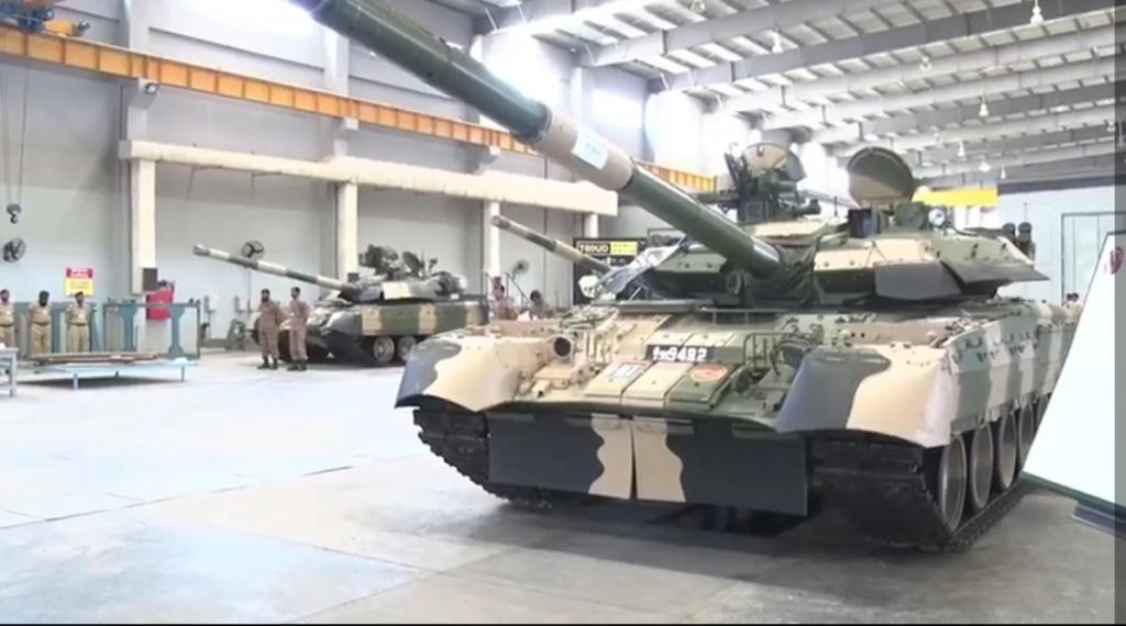 الهند ستنشر464 دبابه T-90S Bhishma اضافيه على طول حدودها مع باكستان مستقبلا Ecgn1110