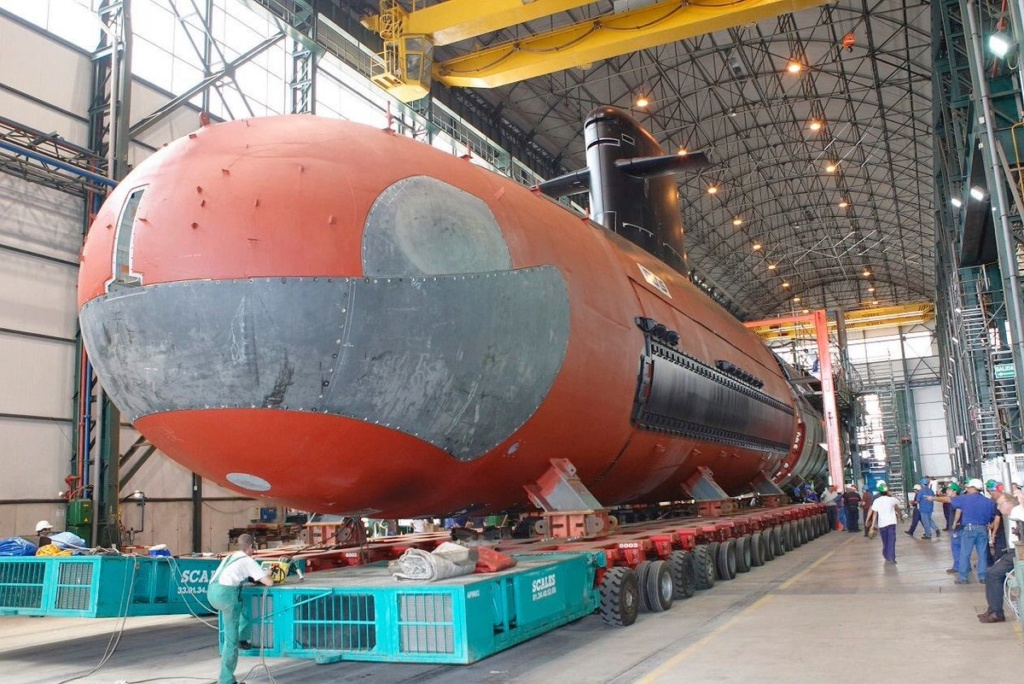 الغواصة الهجومية فئة SSK Scorpene Ecqwob10