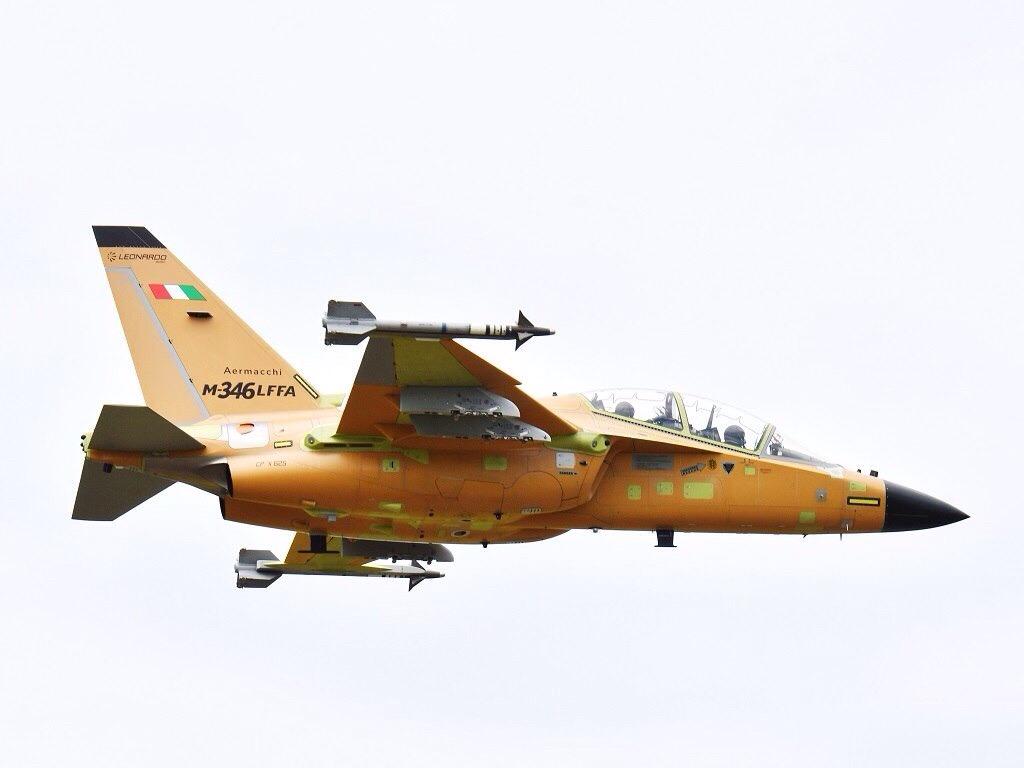 شركة Leonardo مستمره في تحقيق الهدف وتطوير طائره M-346FA الهجوميه المسلحه Edmwg610