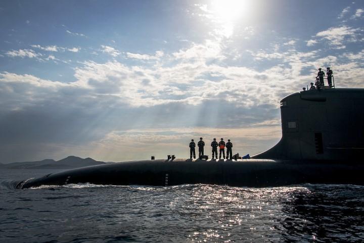فرنسا تطلق الغواصة الهجومية النووية Suffren بحضور ماكرون Eepwk010