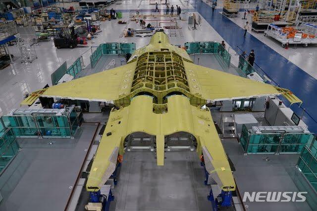 كوريا الجنوبيه ستعرض على لوكهيد مارتن الامريكيه الاستثمار في طائره KF-X  Eg9egv10