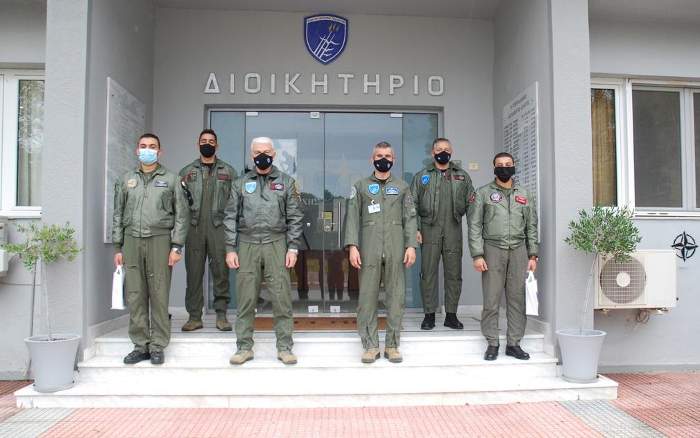 وفد من القوات الجوية المصرية  يزور قاعدة Nea Anchialos الجوية في اليونان Egypti11