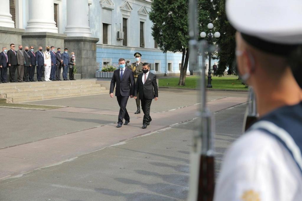 العراق يبحث مع أوكرانيا التعاون في مجالي التسليح ومكافحة الإرهاب Ehbkjf10