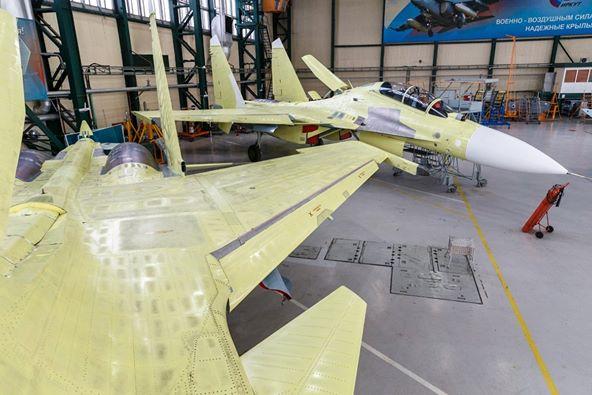 مشاكل في تثبيت المحرك تؤخر تطوير الطائرة الروسية Su-30SM2 Ehdwtg12
