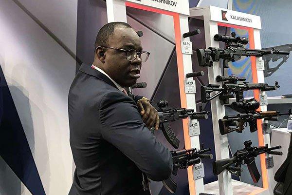 نائب وزير الدفاع الروسي يلتقي مع كبار الشخصيات الافريقيه لبحث التعاون العسكري Ehogt410