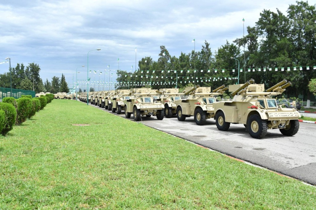 الجيش الجزائري يطور مركبة مدرعة جديدة مضادة للدبابات تعتمد على مدرعه AML الفرنسية Ehukho10