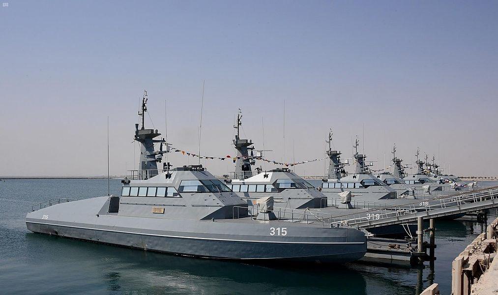 البحرية الملكية السعودية تدشن زوارق HSI32 الاعتراضيه السريعه الفرنسية الصنع Eiyd_210
