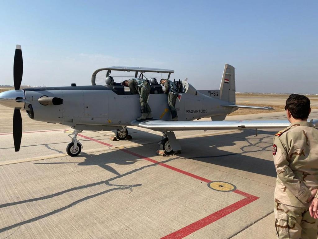العراق يعيد تأهيل طائرة T-6 التدريبية واعادتها الى الخدمة بعد توقفها لمدة 4 سنوات Eiyuwp10