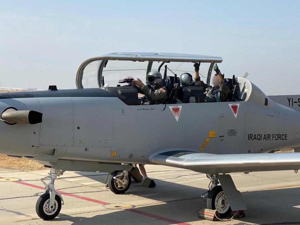 العراق يعيد تأهيل طائرة T-6 التدريبية واعادتها الى الخدمة بعد توقفها لمدة 4 سنوات Eiyv8e10