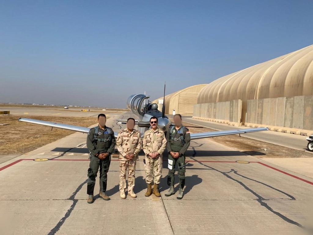 العراق يعيد تأهيل طائرة T-6 التدريبية واعادتها الى الخدمة بعد توقفها لمدة 4 سنوات Eiyv8e12